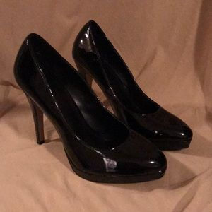 Elle black patent leather shoes